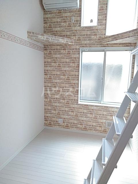 ユナイト新川崎フィルミーノの杜 207号室のリビング