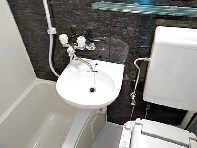 ユナイト新川崎フィルミーノの杜 207号室の洗面所
