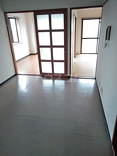 浅野コーポ 306号室のリビング
