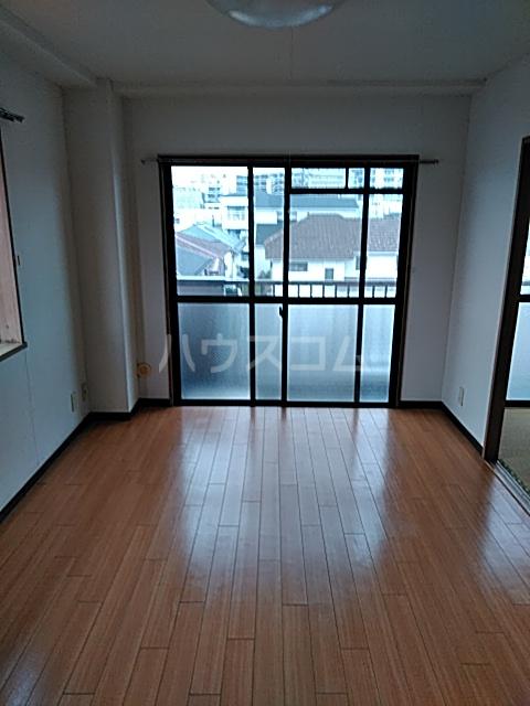 浅野コーポ 306号室の居室