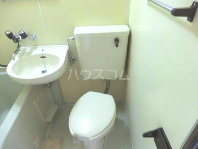 メゾン・ド・コンフォール 221号室のトイレ