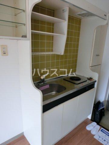 メゾン・ド・リヴァージュ 205号室のキッチン