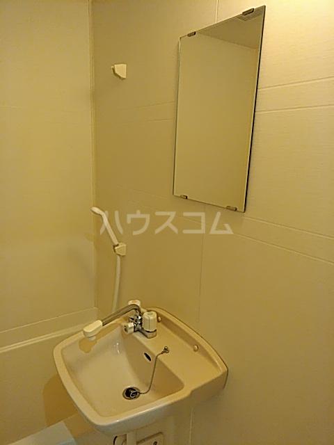 昭和ビル 205号室の洗面所
