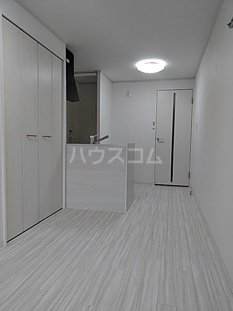 昭和ビル 205号室のリビング