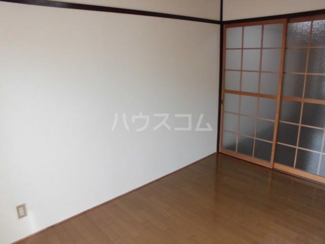 昭和ビル 306号室のベッドルーム