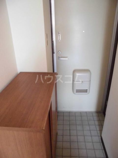 昭和ビル 306号室の玄関