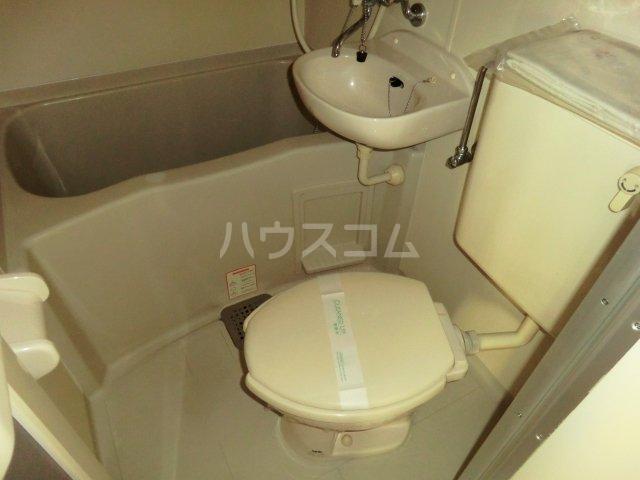 FALCON 202号室のトイレ