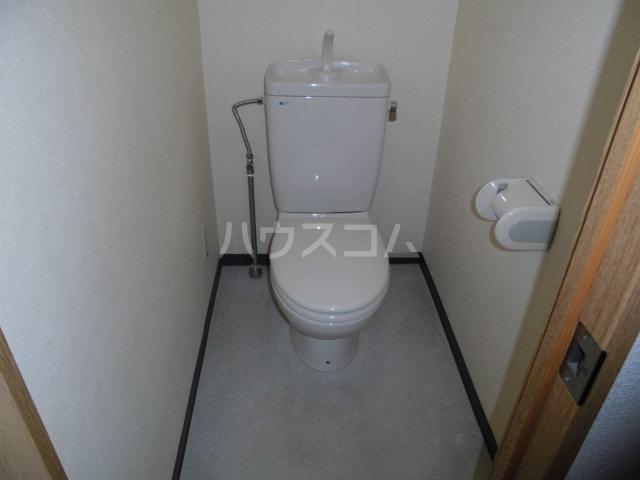 第2山雄マンション 102号室のトイレ
