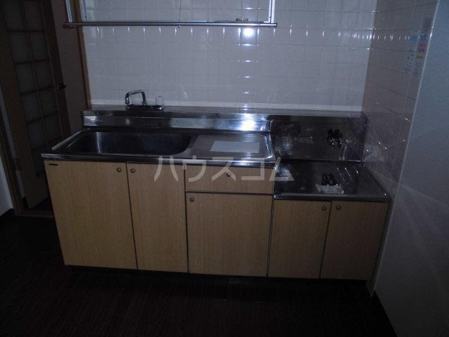 第2山雄マンション 102号室のキッチン