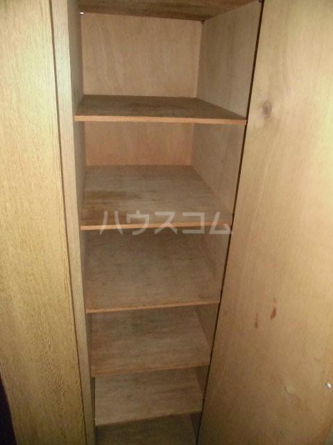 第2山雄マンション 102号室の玄関