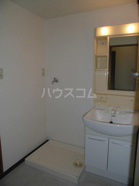 第2山雄マンション 102号室の洗面所