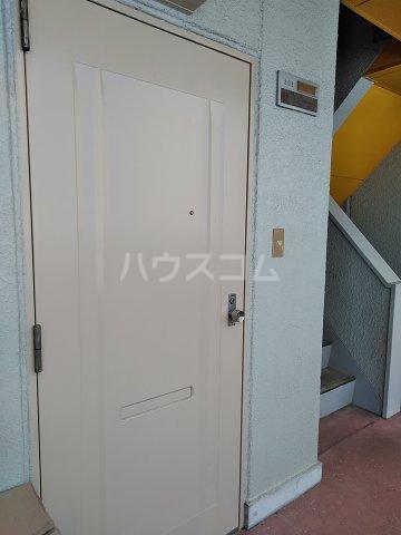 第2谷口ビル 202号室の玄関