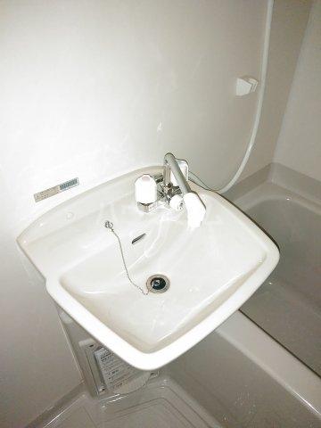 第2谷口ビル 202号室の洗面所