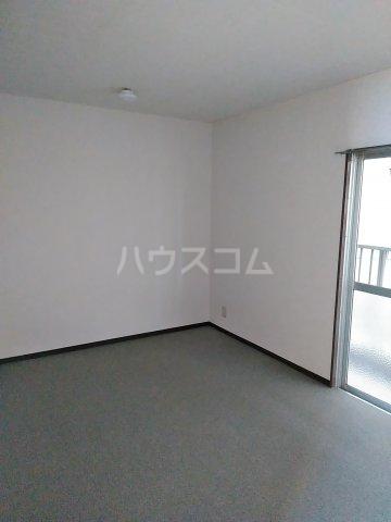 第2谷口ビル 202号室の居室