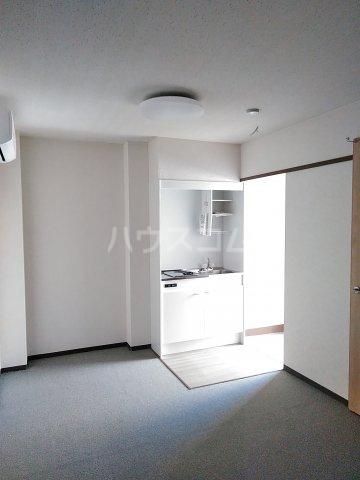 第2谷口ビル 202号室のリビング