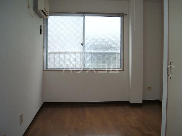 コンフォートマンション北戸田 523号室のリビング