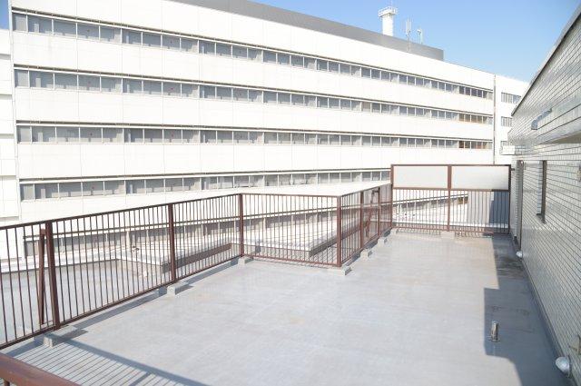 蕨スカイマンション 608号室のバルコニー
