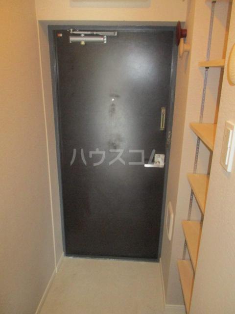 コート荻窪 306号室の玄関