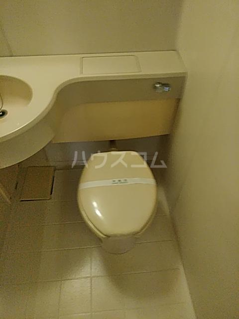 I HOUSE 101号室のトイレ