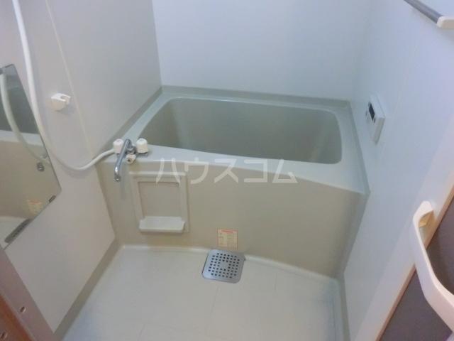 プランドール 305号室の風呂