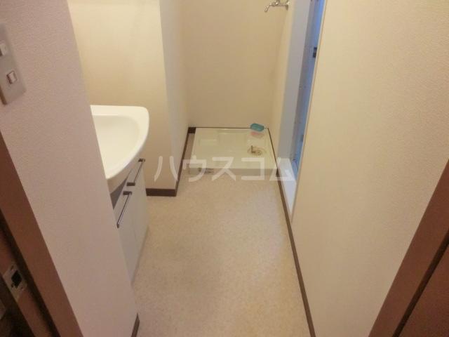 プランドール 305号室の洗面所