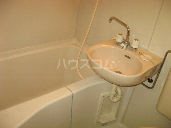 サンクレスト 401号室の洗面所