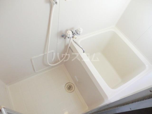 ロイヤル・タカラⅡ 201号室の風呂