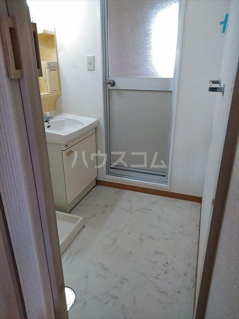 リバーサイドパーク 503号室の洗面所