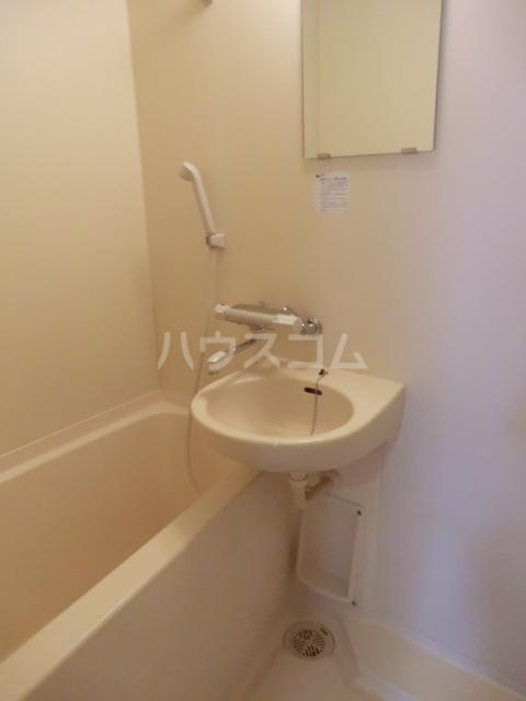 Un Brillant 305号室の風呂