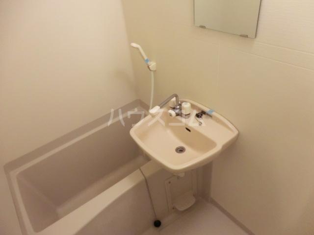 北浦和ヒルズ 202号室の風呂