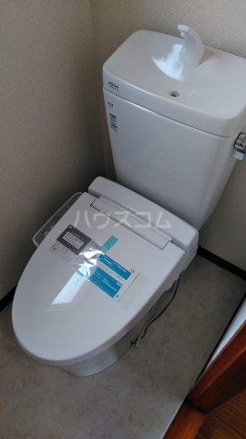カーサ・アゼリア 301号室のトイレ