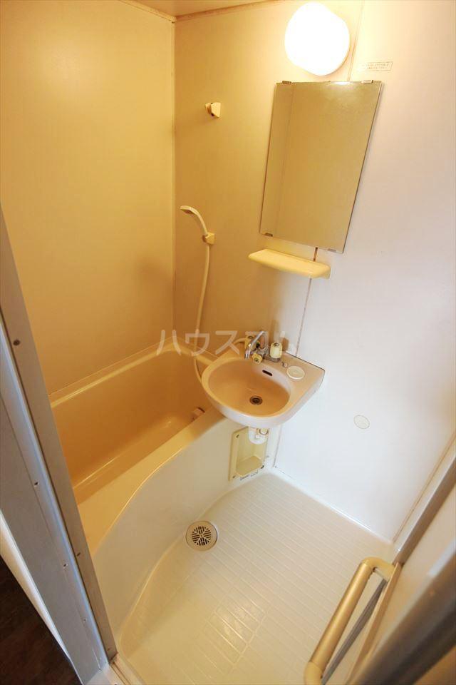 ハイフィールド浦和Ⅴ 201号室の風呂