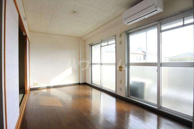 ハイフィールド浦和Ⅴ 201号室の居室