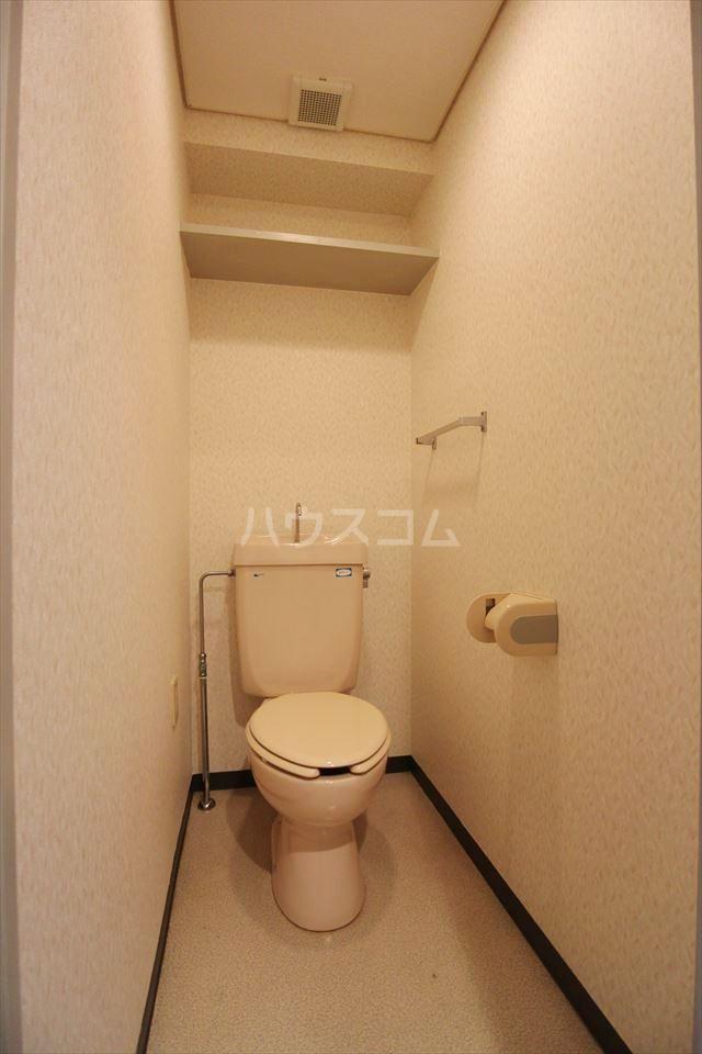 ハイフィールド浦和Ⅴ 201号室のトイレ