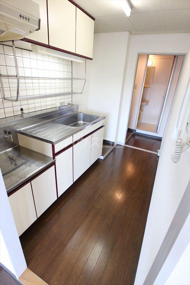 ハイフィールド浦和Ⅴ 201号室のキッチン