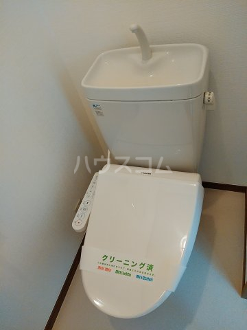 シャルモアM 203号室のトイレ