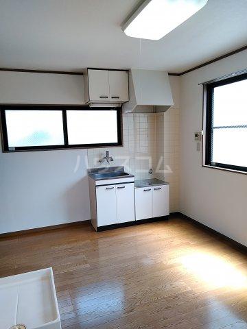 シャルモアM 203号室のキッチン