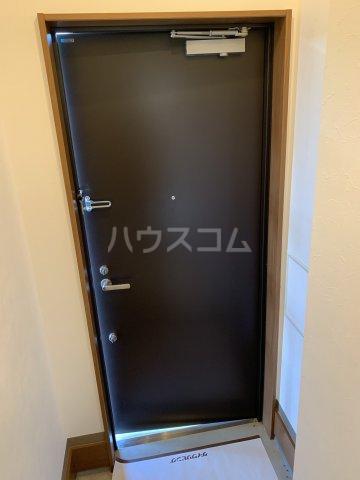 中尾コンセプトハウス B104号室の玄関