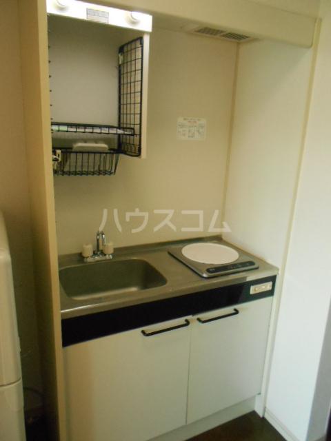 埼大前小鳩ハイツ 欅 102号室のキッチン