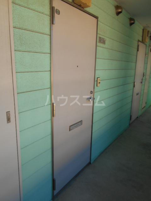 埼大前小鳩ハイツ 欅 102号室のエントランス