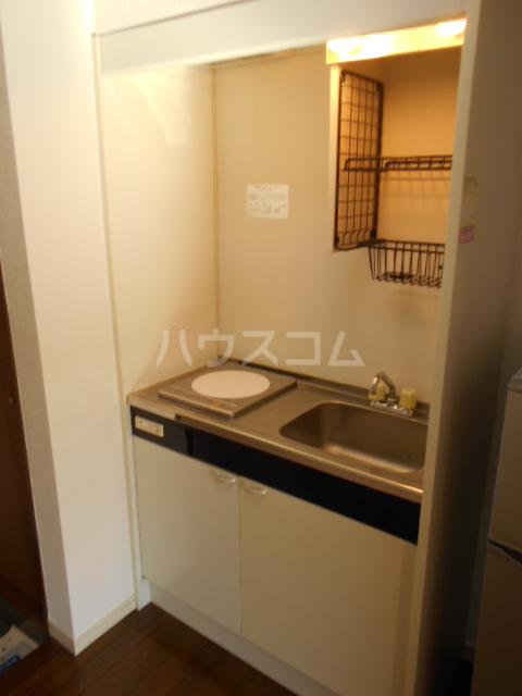 埼大前小鳩ハイツ 桜草 205号室のキッチン