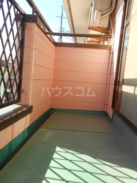 埼大前小鳩ハイツ 桜草 205号室のバルコニー