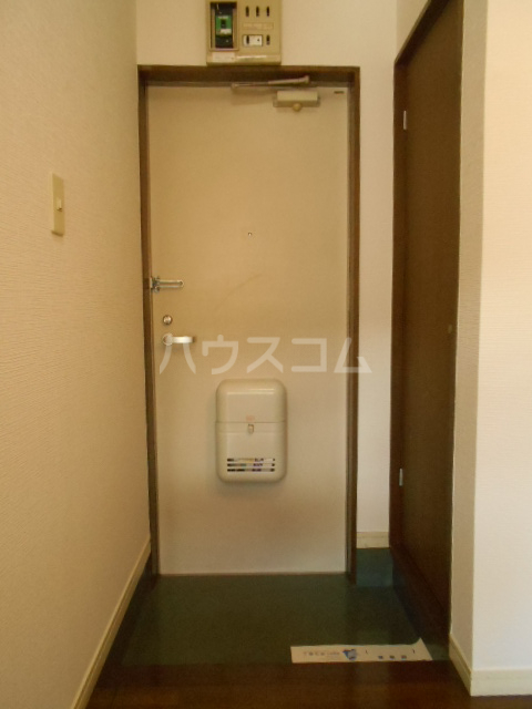 埼大前小鳩ハイツ 桜草 205号室の玄関