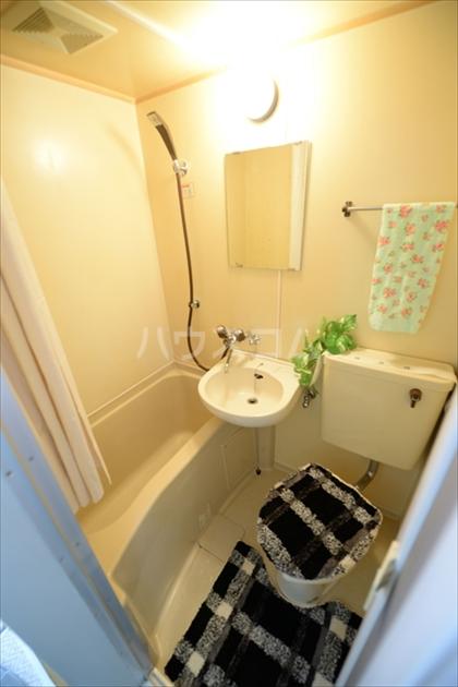 リベラル根岸 103号室のトイレ