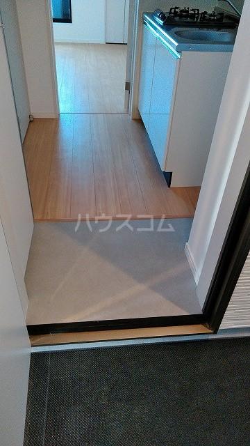 グランクオーレ武蔵浦和 102号室の玄関