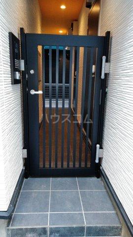 グランクオーレ武蔵浦和 301号室のエントランス