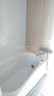 アメニティガーデン新中里 301号室の風呂