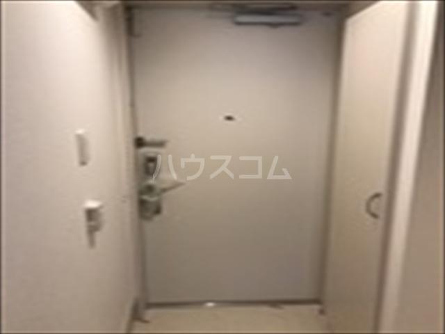 リブリ・TRIPOLISⅢ 202号室の玄関
