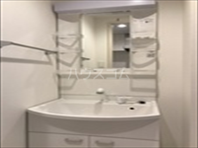 リブリ・TRIPOLISⅢ 202号室の洗面所