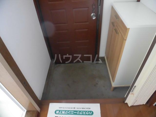 第2ひばり荘 00102号室の玄関